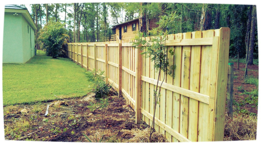 wood fence naples, board on board wood fence, wood fence collier county