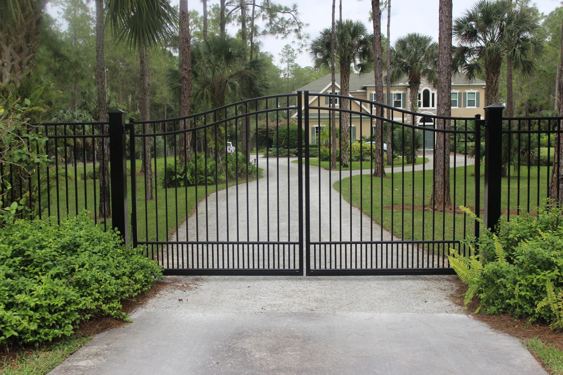 aluminum fence and driveway gates naples florida