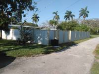 naples custom fence | custom wood fence | custom wood fencing | corrugated privacy fence