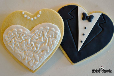 bride and groom cookies, decorated cookies, cookie favors, custom design cookies