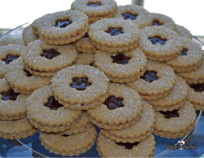 linzer cookies, swedish window cookies
