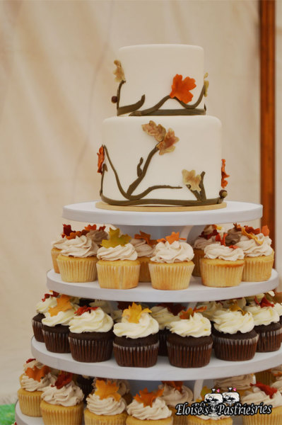 Fall Wedding Cake with Cupcakes