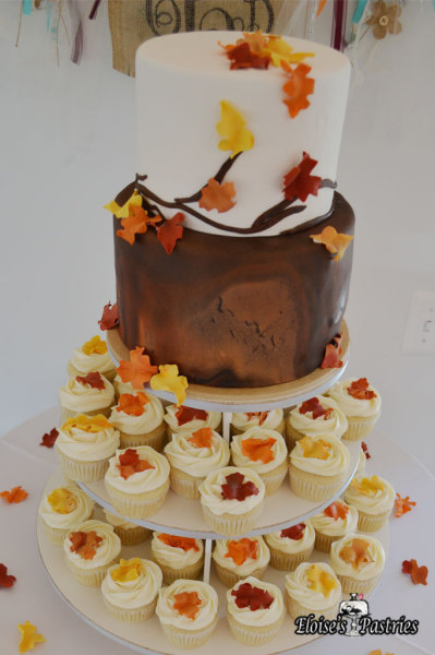 Fall Wedding Tree Stump with Cupcakes