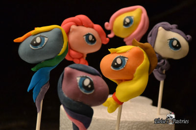 My Little Ponys Cake Pops