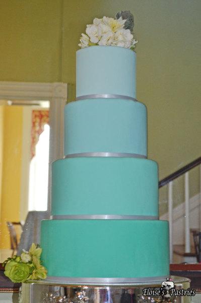 ombre wedding cake, aqua ombre wedding cake,