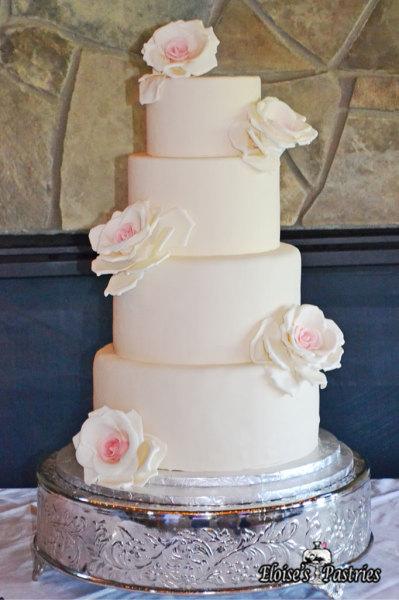 white wedding cake with roses, classic wedding cake, elegant wedding cake, couture wedding cake
