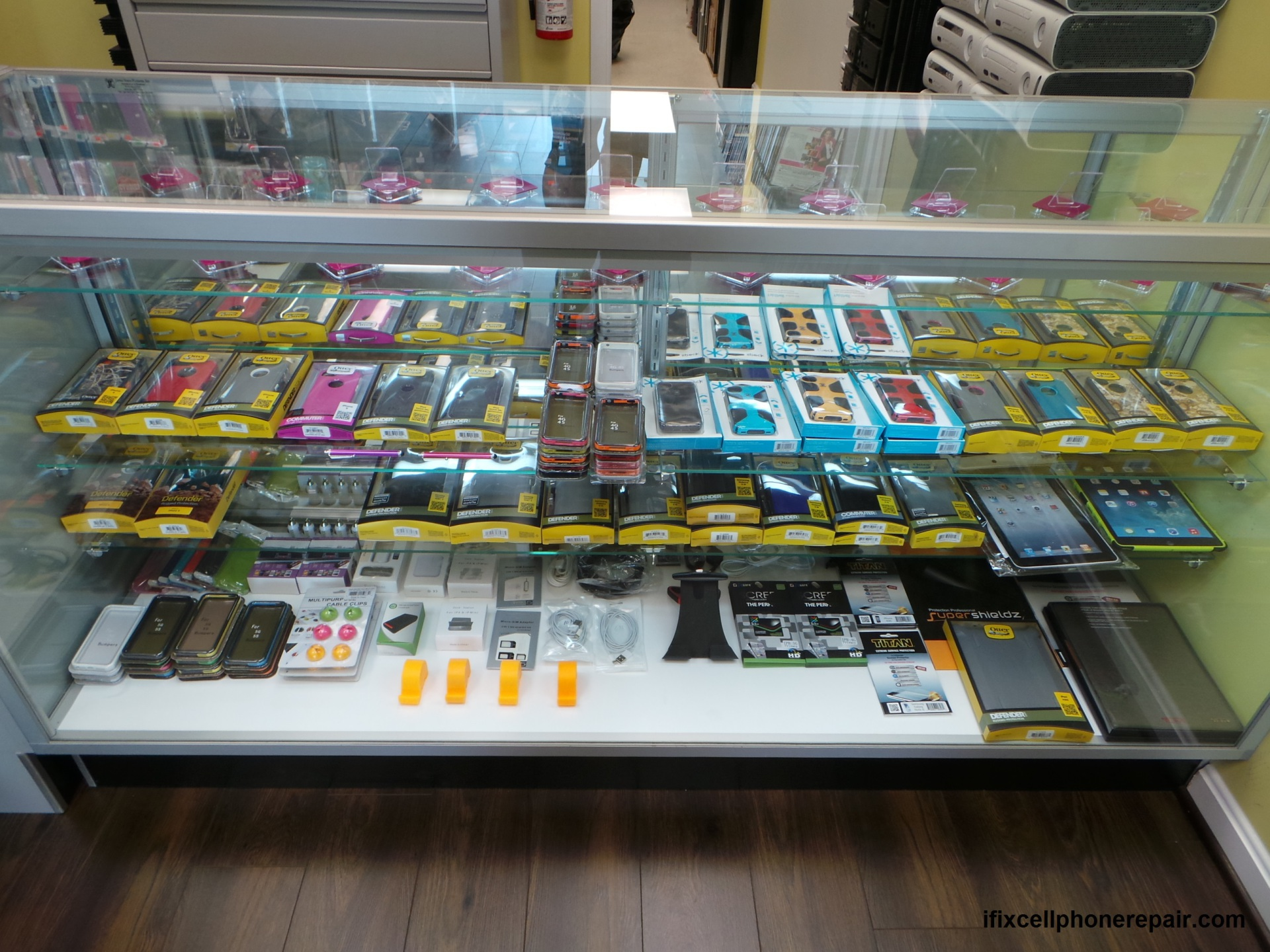 otterbox,speak,clear case,stand,long cable,cell phone battery,self stick,camera,ipad,iphone,galaxy phone