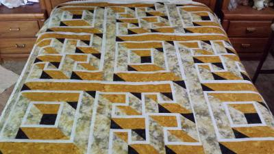 Labyrinth Queen-Size quilt