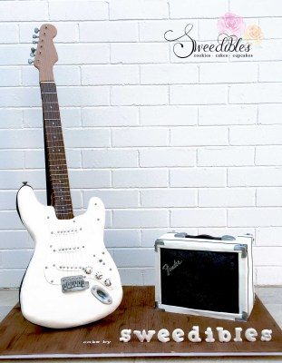 White Sensation Guitar Cake
