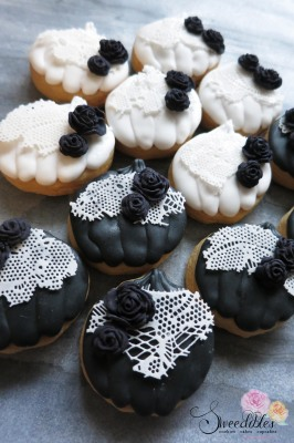 Black & White Mini Pumpkin Cookies