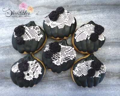 Black Mini Pumpkin Cookies