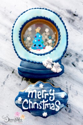 Blue Christmas Snow Globe Cookie