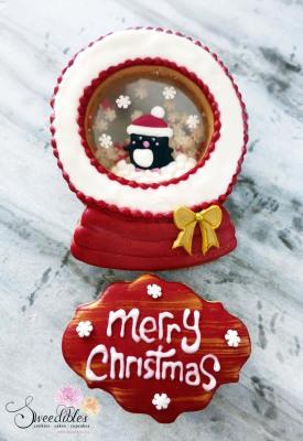 Red Penguin Snow Globe Cookie