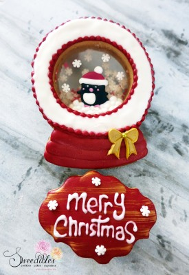 Red Penguin Snow Globe Cookie