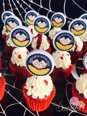 Dracula Mini Cupcakes