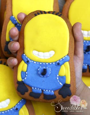 Large Minion Cookie