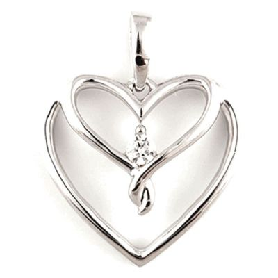 Silver Heart Pendant with 1/20ct total weight diamonds. Box chain included.