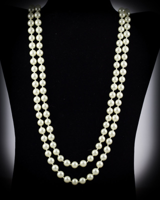 Mother of Pearl; White; 8mm, 64″ single strand
