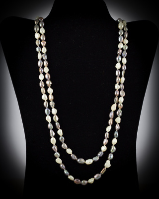 Freshwater Pearls; Black/White; 64″ single strand
