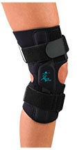 Outer closure straps knee brace stability
