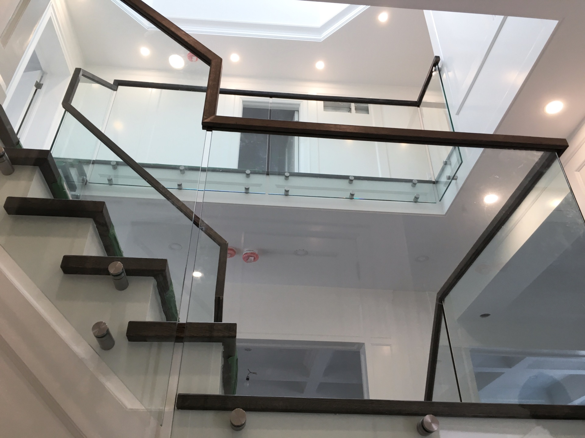 Continous Handrail Glass Railings