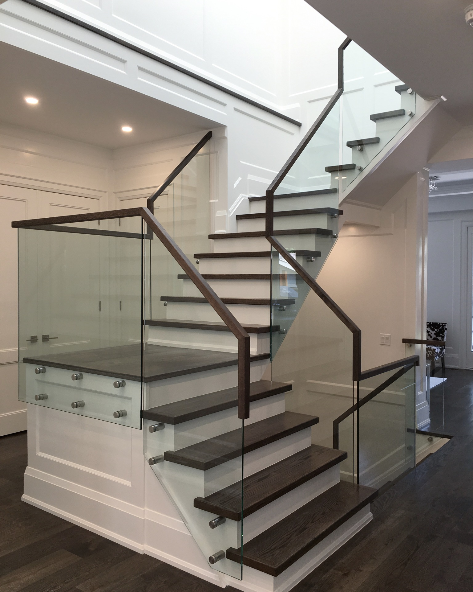 wood continous handrail glass