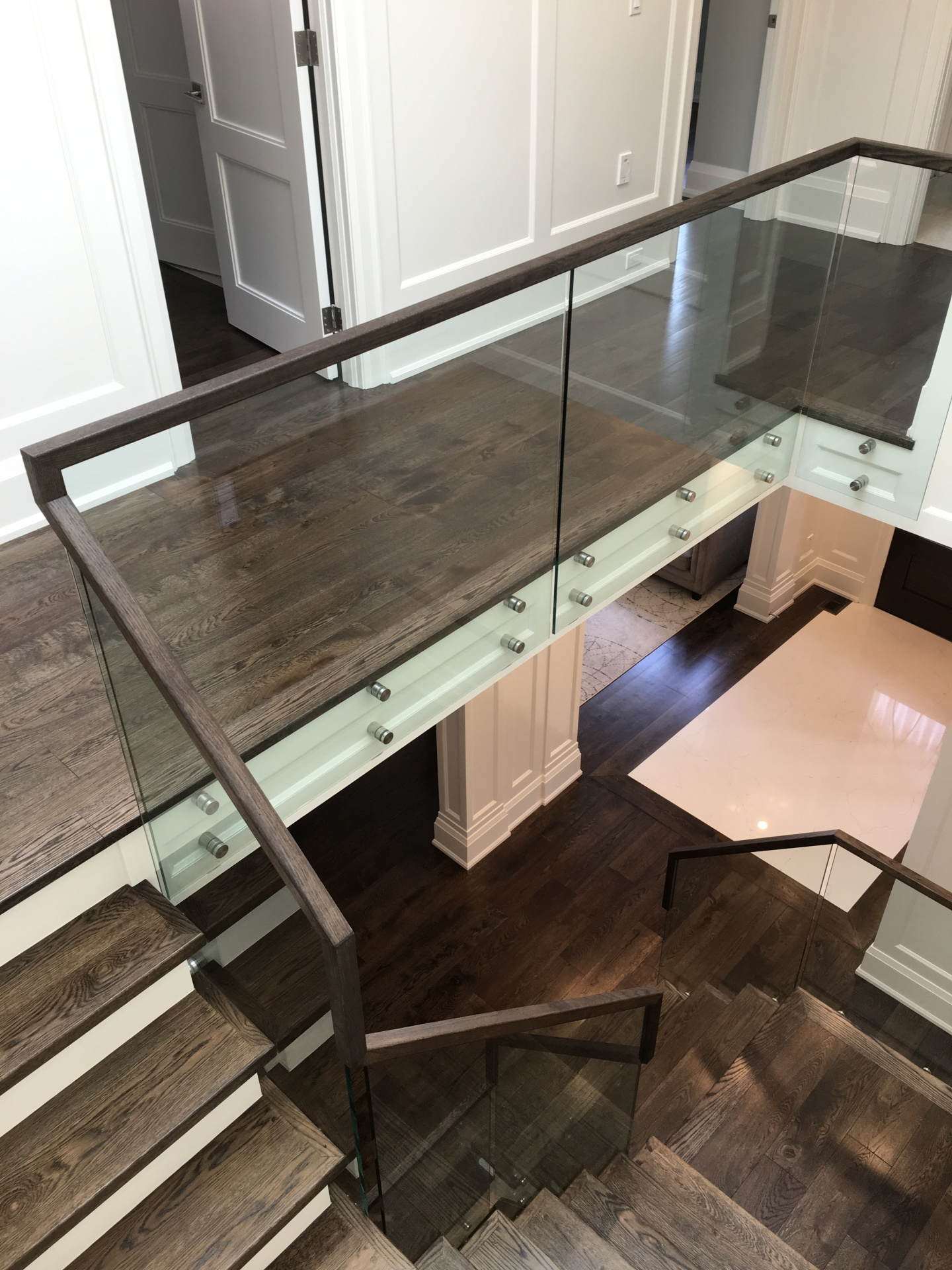 Glass Railing continous handrail