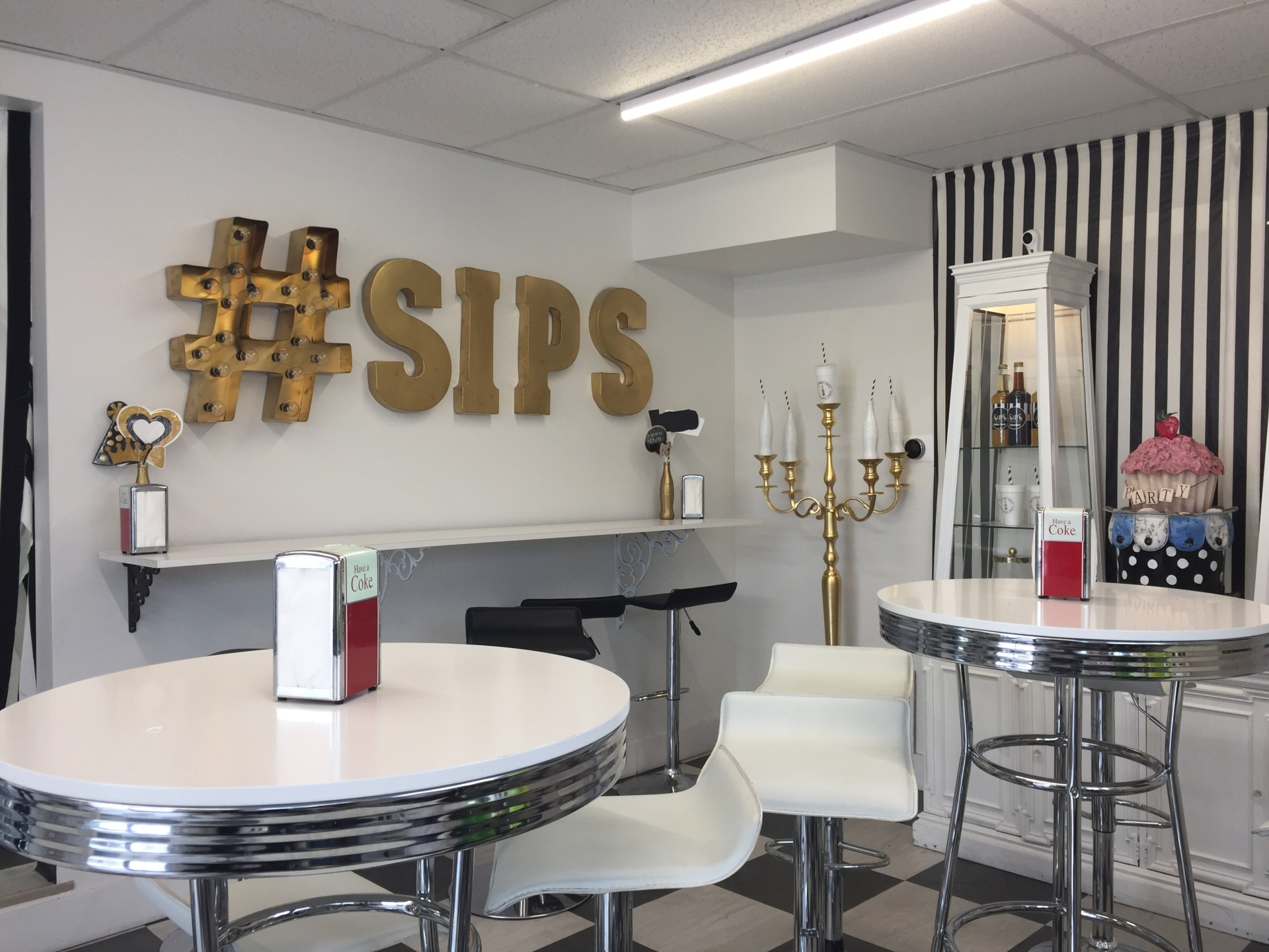 Sips and Sweets  / Gentile St / Layton