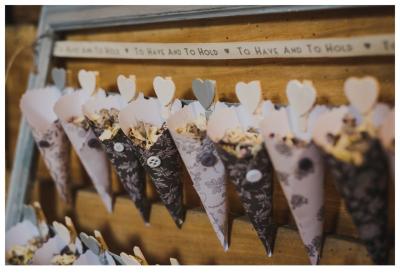 Confetti cones - can be make in unique paper