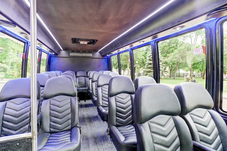 EXECUTIVE COACH 25 PASSENGER