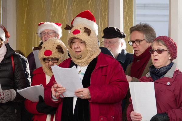 Christmas Carol Singing 02