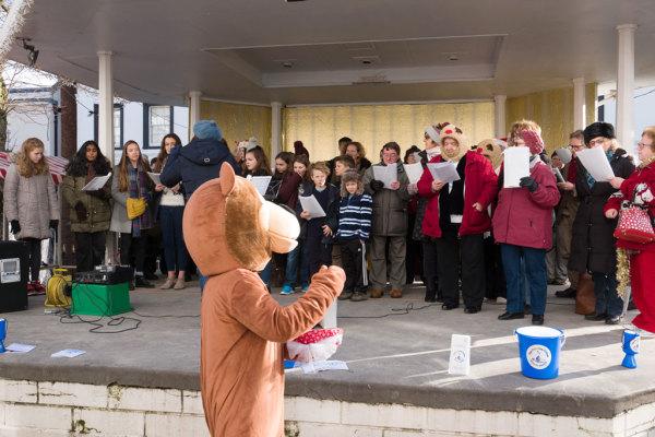Christmas Carol Singing 18