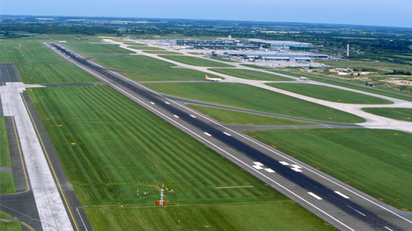 Stansted Airport seeks to expand from 35m passenger s year to 44.5m