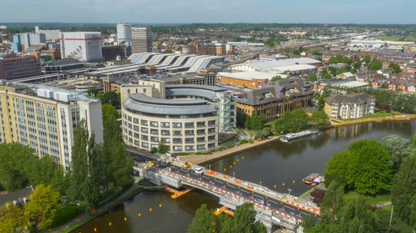 Reading and Oxford share top places in latest city growth index