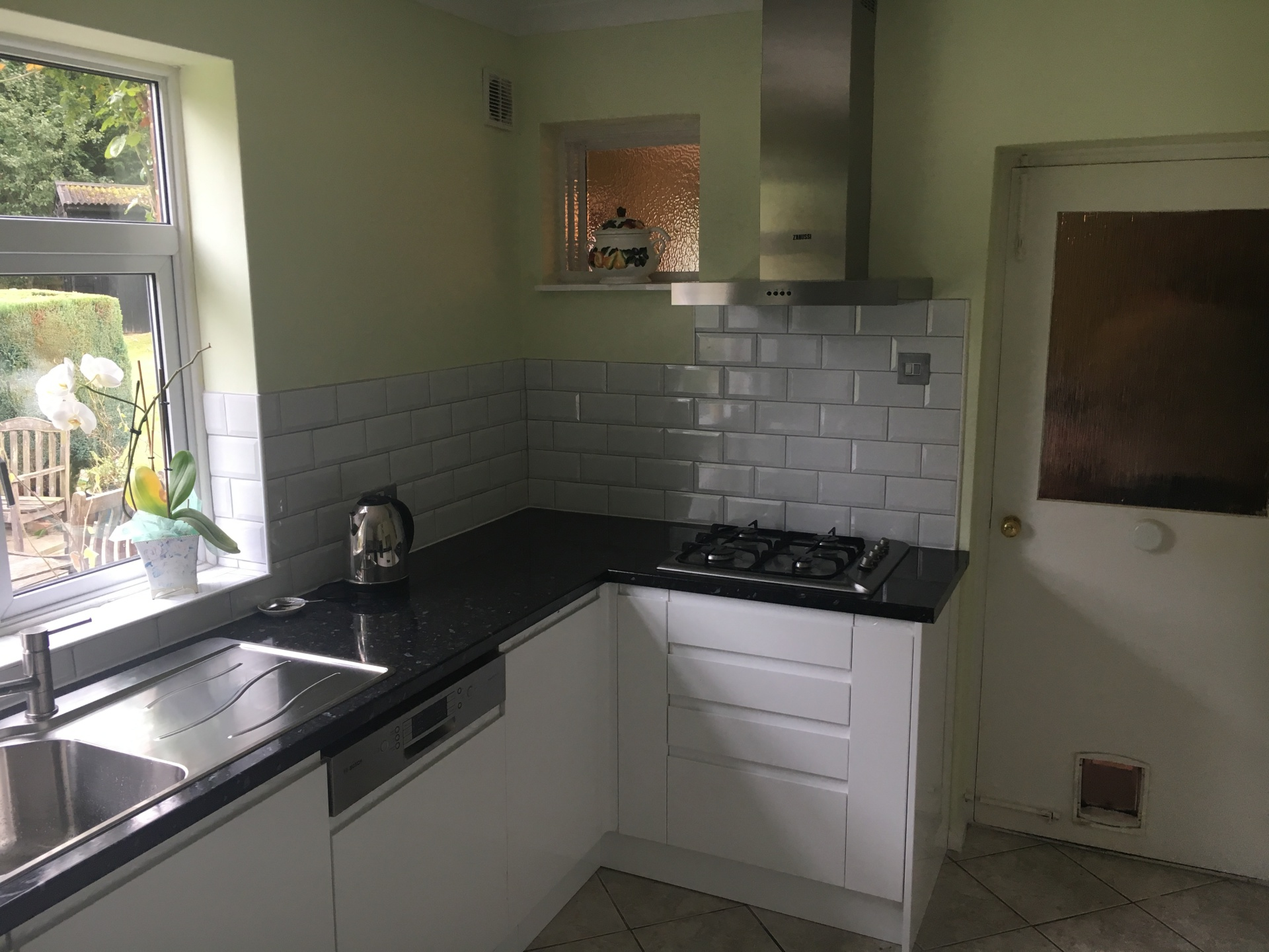 Handleless Kitchen install Maresfield