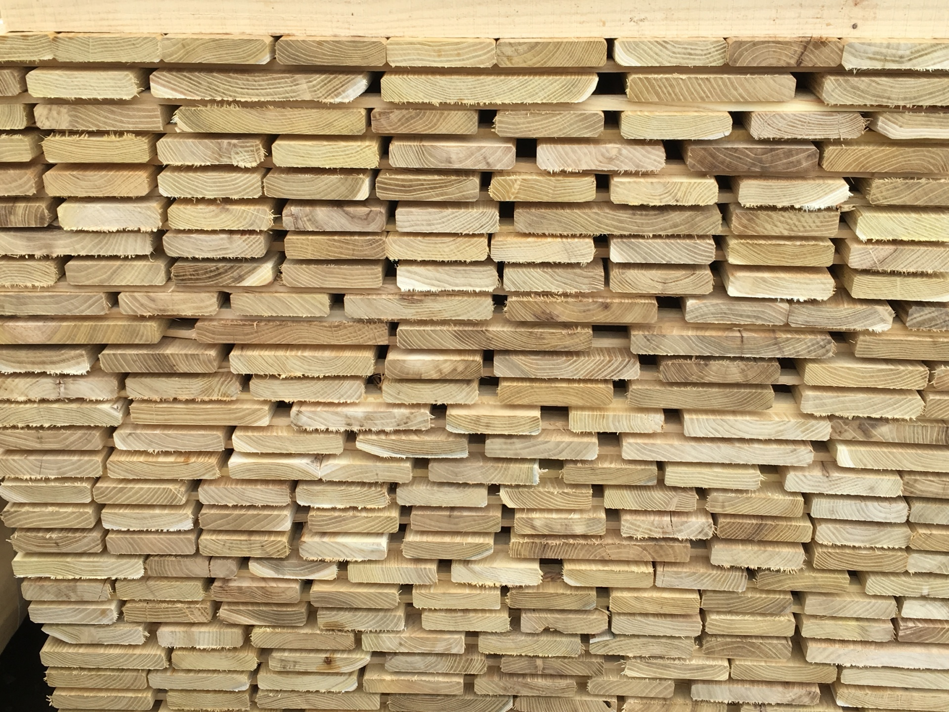 Robinia Boards Planks Sleepers