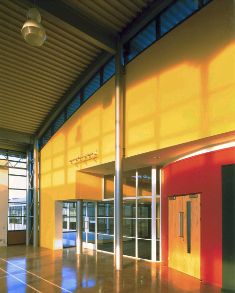 Heavers Farm Primary School (London Borough of Croydon) by Contemporary and Modern architects Baart Harries Newall (BHN architects) based in Shrewsbury.