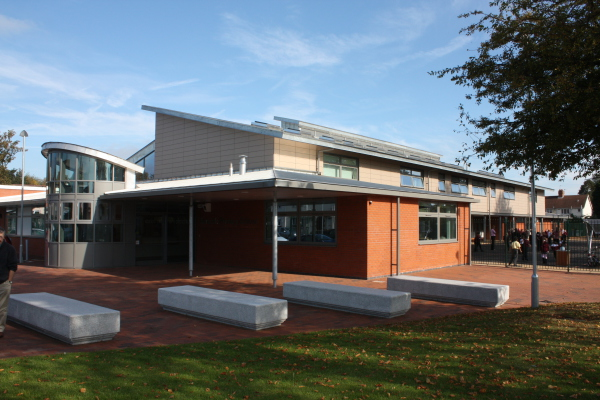 Barcroft Primary School (Walsall) by Contemporary and Modern architects Baart Harries Newall (BHN architects) based in Shrewsbury.