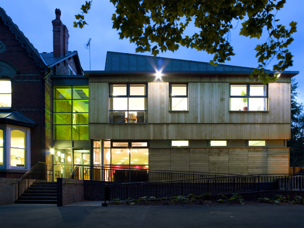 Darlaston Sure Start (Walsall) by Contemporary and Modern architects Baart Harries Newall (BHN architects) based in Shrewsbury.