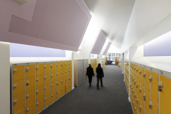 Sixth Form Centre (Kingsley College - Redditch) by Contemporary and Modern architects Baart Harries Newall (BHN architects) based in Shrewsbury.