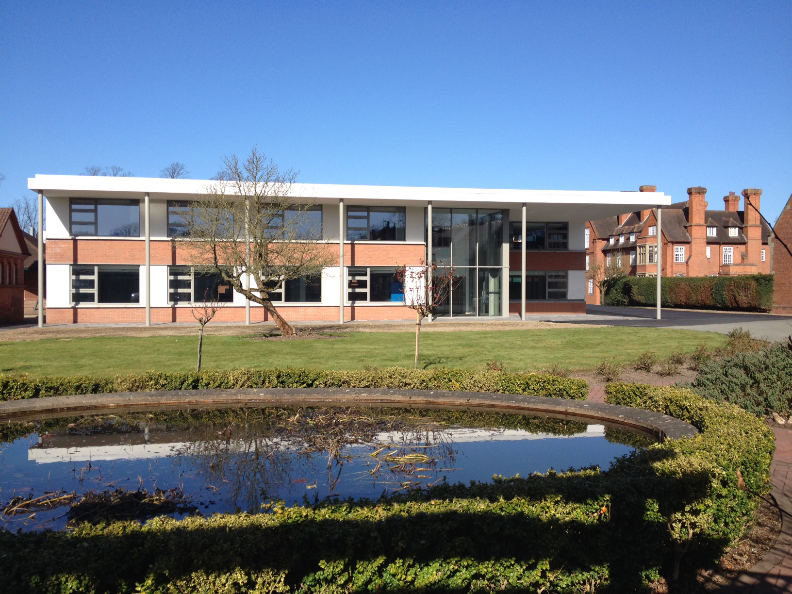 An extension and remodelling of a existing 1960's building at Shrewsbury School.