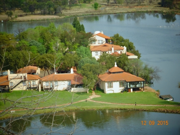 Ileven Heaven view of complex - Accommodation Hartbeespoort dam