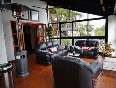 Patio with windows - Holiday accommodation Hartbeespoort