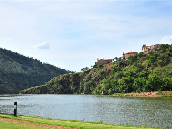 Scenic view from pool area - Hartbeespoort accommodation