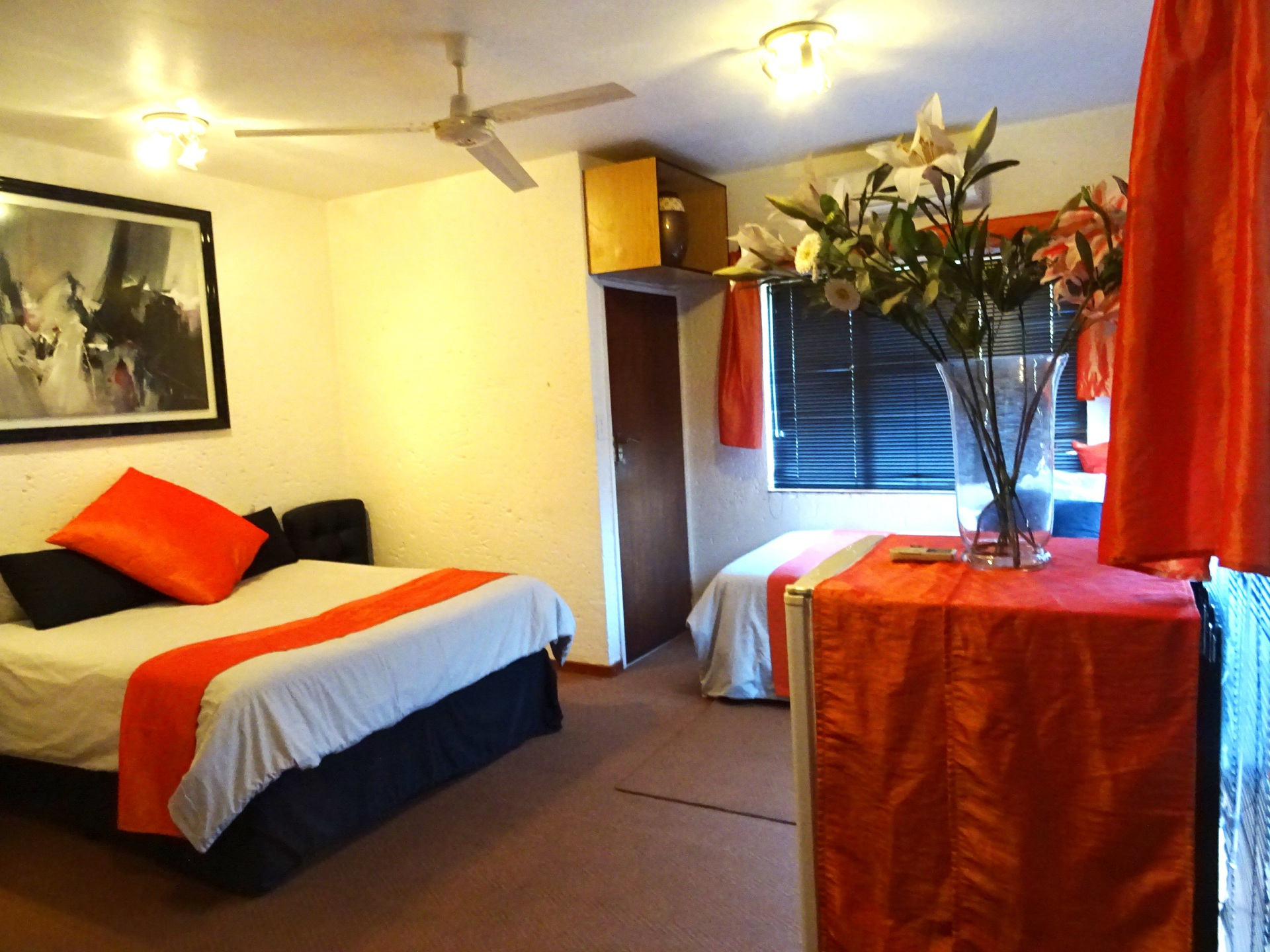Queen size bed & fridge in 4th bedroom, Accommodation Hartbeespoort dam, sleeping 11, 2,5 bathrooms