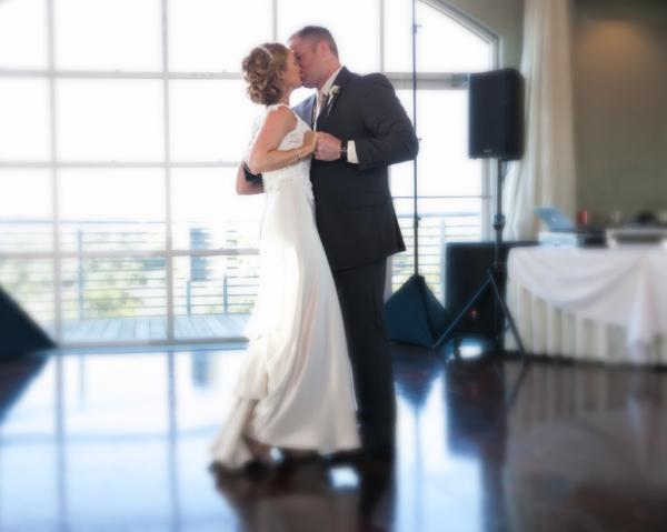 wedding couples dance