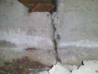 Foundation-Cracks-DIY-Repairs