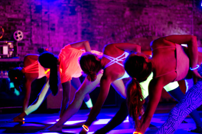 flow in the dark london, flow in the dark, pop up yoga, pop up yoga london, flow yoga