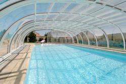 "<img alt=""pool enclosure"">"