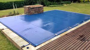 "<img alt=""pool cover"">"